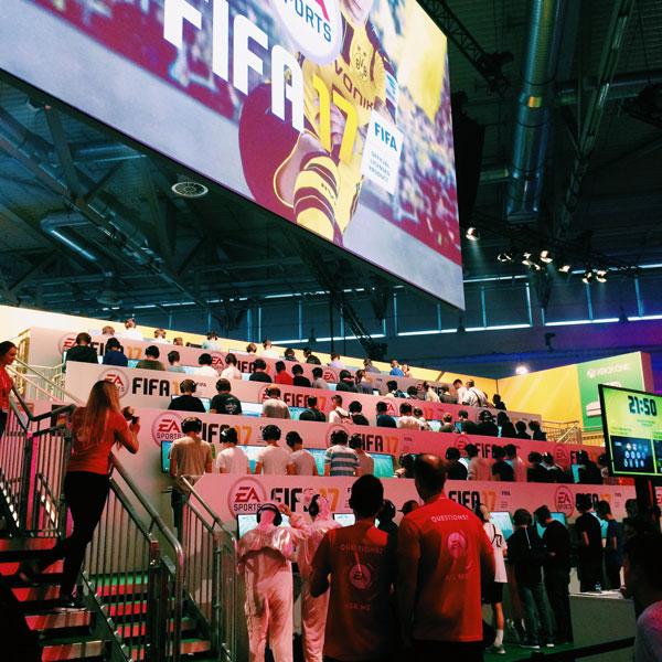 Gamescom 2016 Fifa stand - Olamelama blog