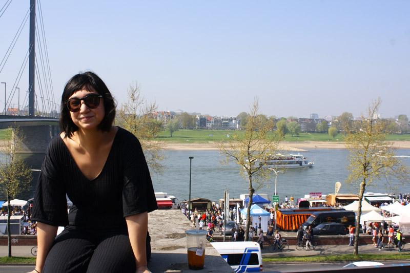 Dimanche printanier à Düsseldorf -Vue sur le Rhein - Olamelama