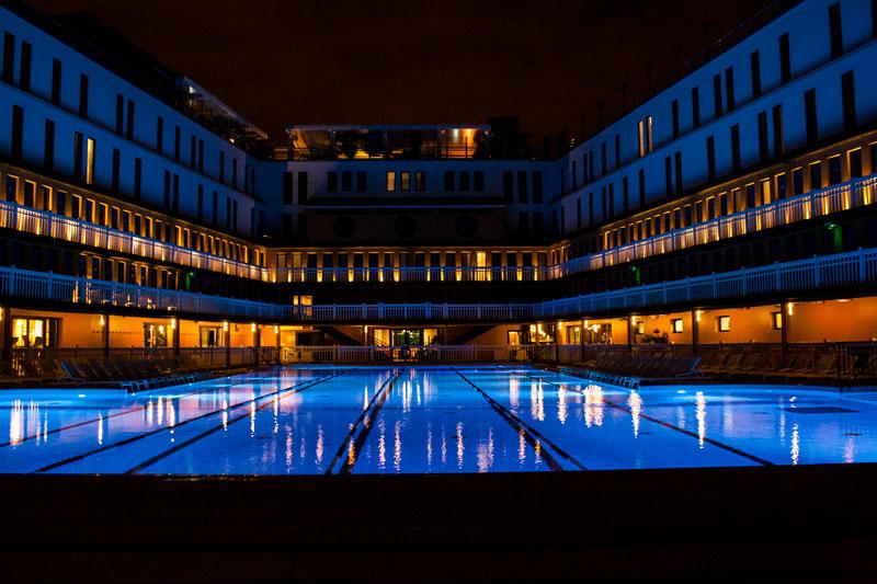 L'hôtel Molitor à Paris de nuit - Olamelama