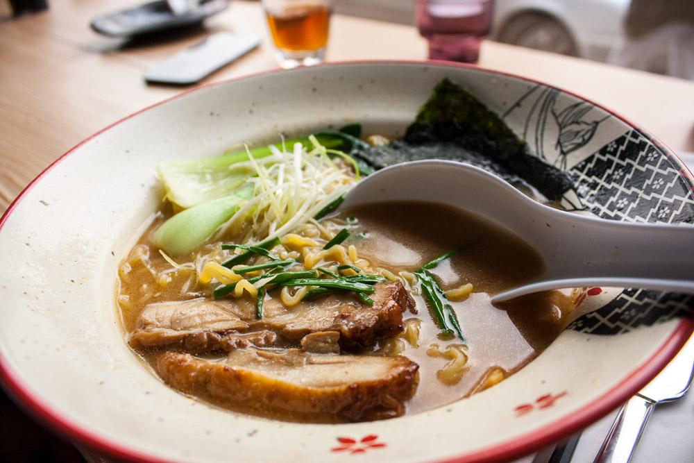 Miso Ramen - Restaurant japonais Düsseldorf Takumi Chicken & Veggies - Olamelama