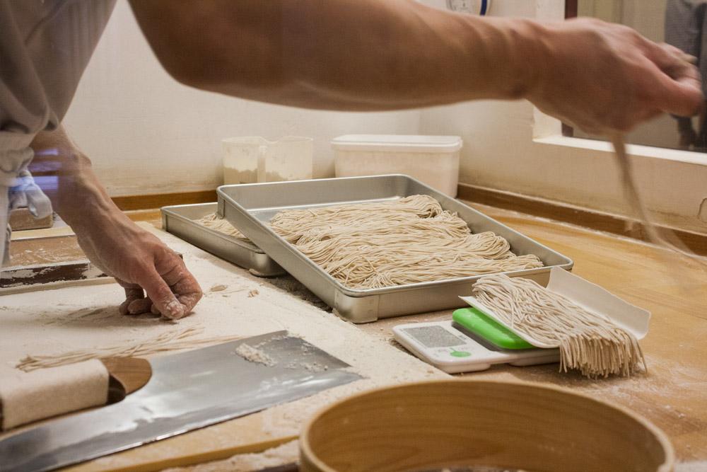 Restaurant japonais Düsseldorf Soba-An - Réalisation des soba - Olamelama