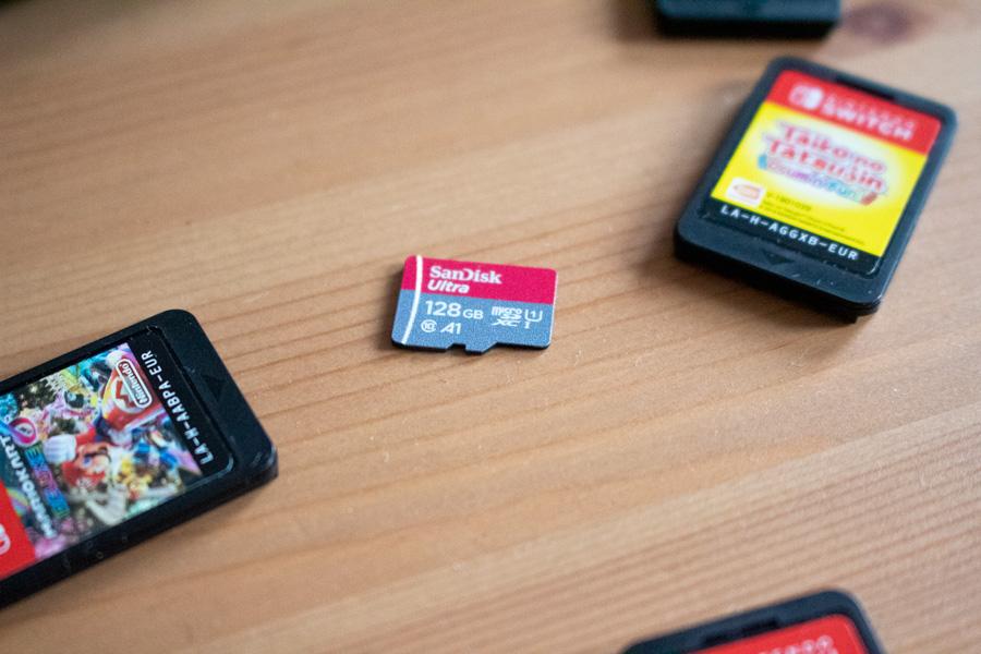 Nintendo Switch : Guide pour débutant et avis - Carte MicroSD