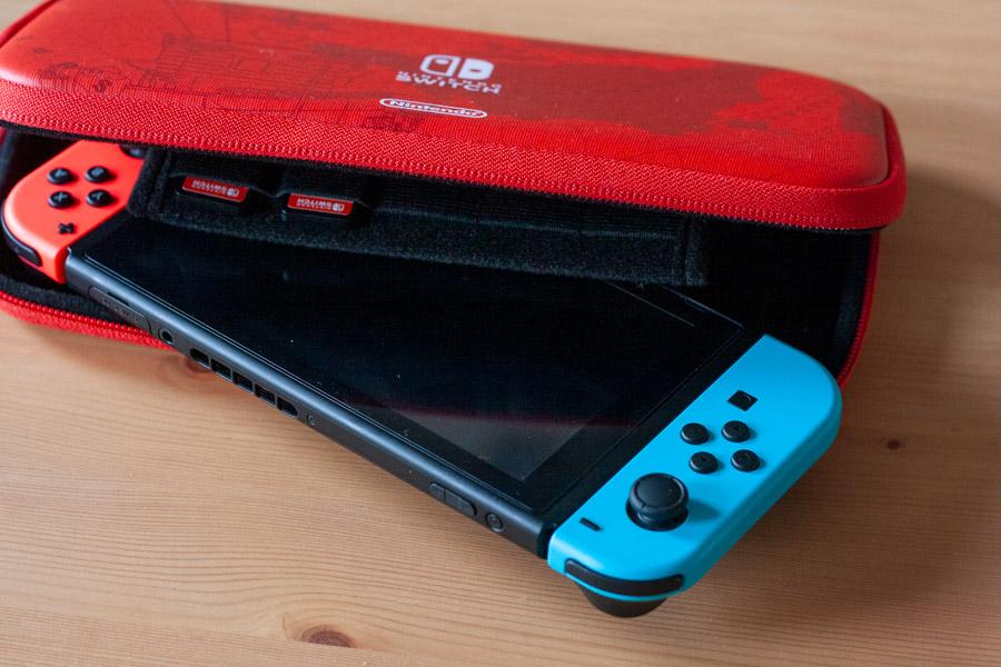 Nintendo Switch : Guide pour débutant et avis - Housse de protection