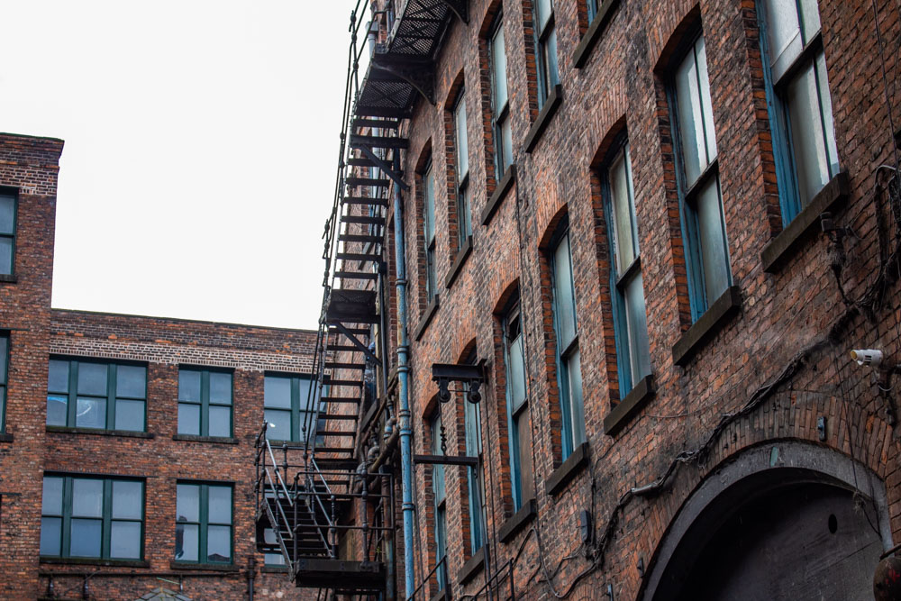Week-end à Manchester : quartiers, visites & adresses - Architecture - Rue Peaky Blinders