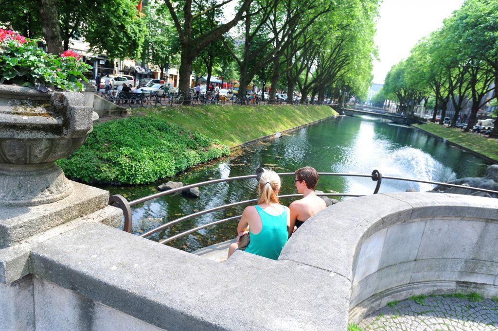 Visiter Düsseldorf - Köningsallee en été