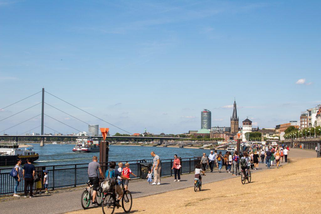 Visiter Düsseldorf - Rheinuferpromenade