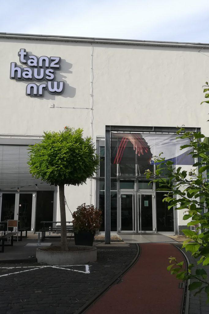 Lama Diaries #35 - Août 2019 - Tanzhaus NRW